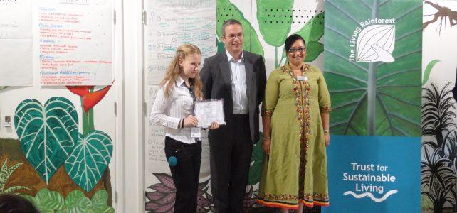 Български ученици с международна награда за есе на английски